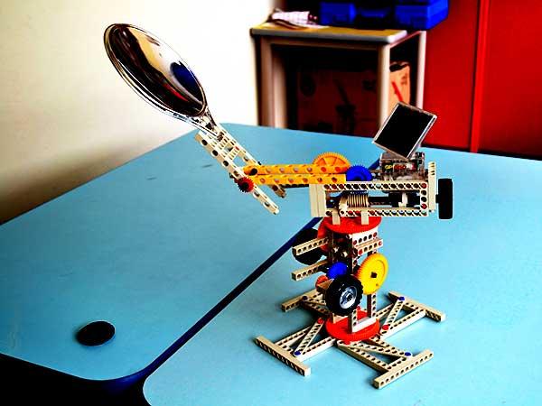 森孚机器人教育