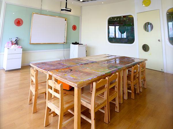 自己设计的教室书桌